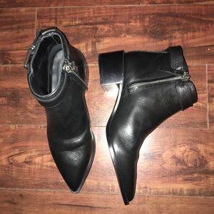 Beautiful leather Massimo Dutti ankle boots